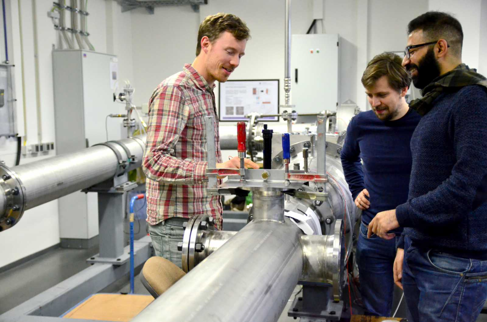 Verification of simulations for the Organic Rankine Cycle (ORC) under real-life conditions: made possible in this wind tunnel, used mainly by Felix (pictured on the left). There are only three test benches of this kind in Europe – in Delft, Milan and Steinfurt.